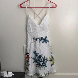 Dresses & Skirts - White Floral Dress Sz L